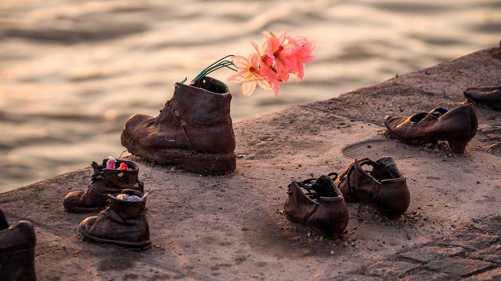 Budapesta - Pantofii de pe faleza Dunarii